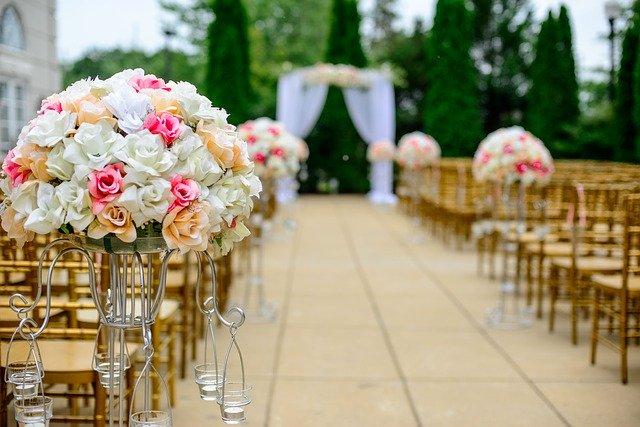 איך לארגן חתונת שישי שתתאים לכולם?