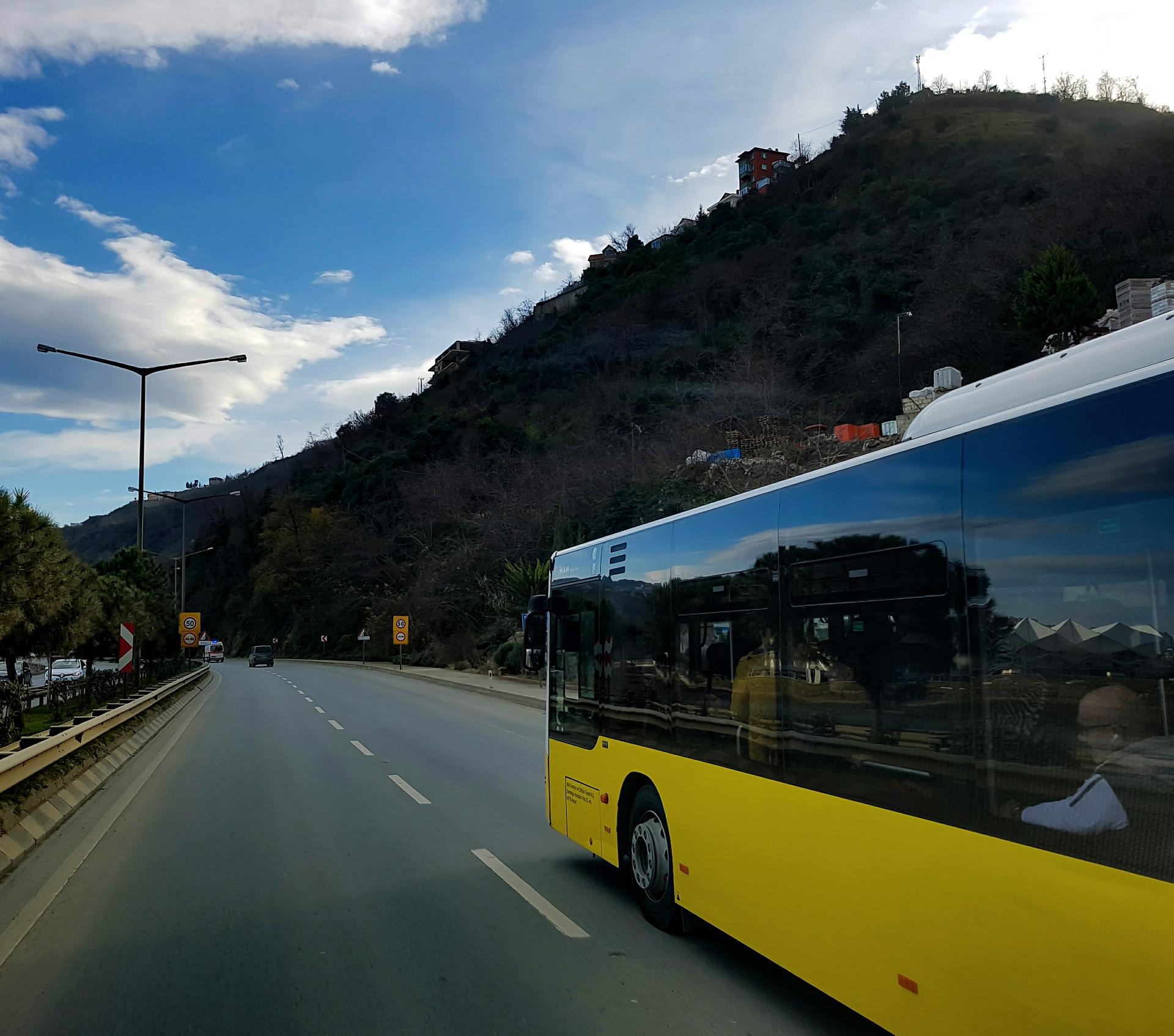 כמה עולה להשכיר אוטובוס?