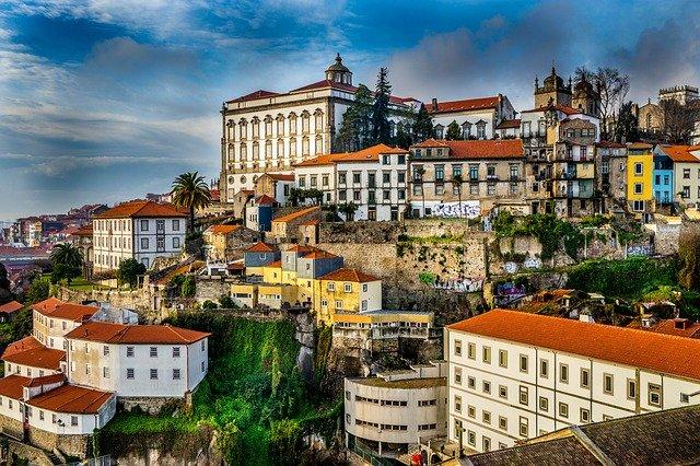 מי זכאי להוצאת דרכון פורטוגלי?